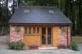 Dog Friendly Cottage Ellesmere Brynallt Country Park Shropshire